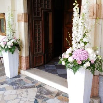 esterno chiesa rosa